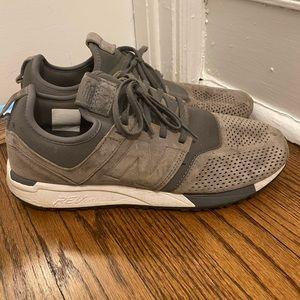 New balance comfort shoes ! Size 9